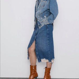 Zara NWT Denim midi skirt with Ripped details